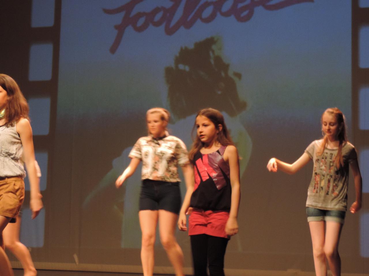 Footloose (2)